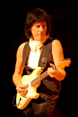 Jeff_Beck1_credit-Ross_Halfin_0