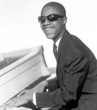 Stevie@Piano_1964