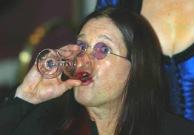 ozzy-osbourne-drinking