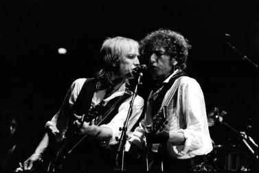 Bob-Dylan-Tom-Petty-sydney-1986-896x600