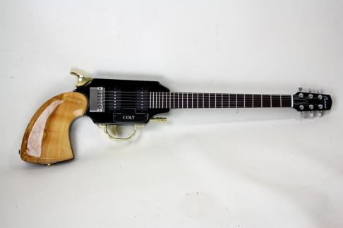 cairnes-colt-gun-guitar02