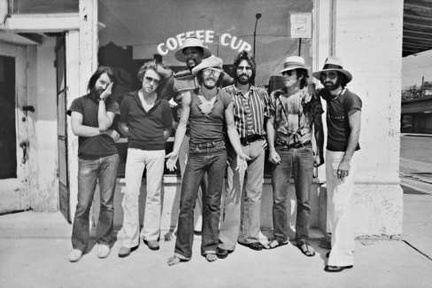 Bruce-Springsteen-and-The-E-Street-band-BW-outside-Coffee-House